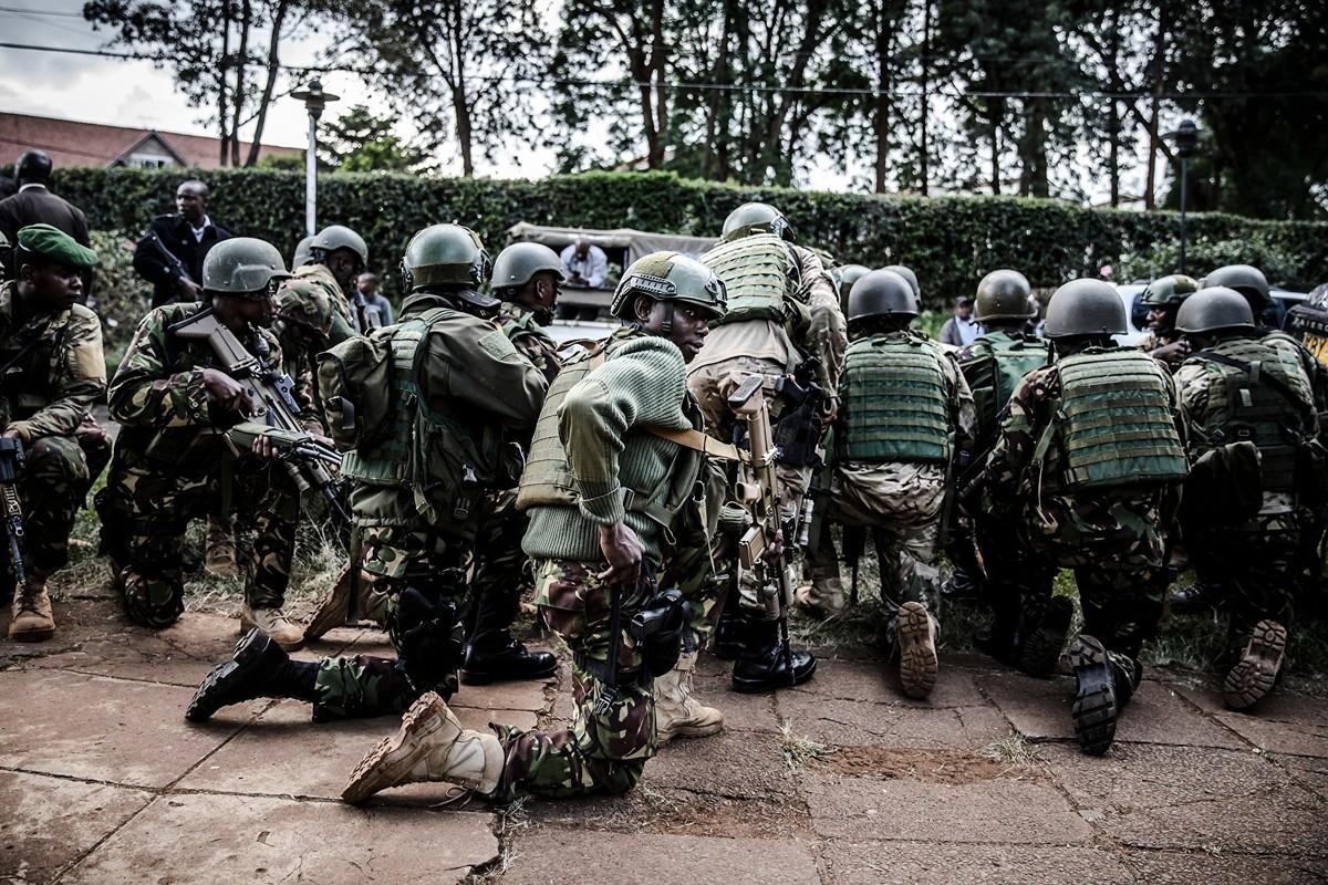 肯尼亞軍方1月5日阻退一起針對駐該國美國軍事基地的襲擊,至少4名恐怖份子被擊斃。圖為肯尼亞特種部隊。(LUIS TATO/AFP via Getty Images)