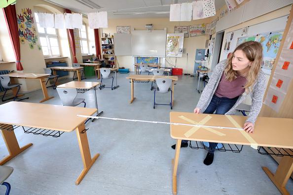 德國的封鎖措施導致學校長期無法面對面授課,這讓家長極為憂心。(Alex Grimm/Getty Images)
