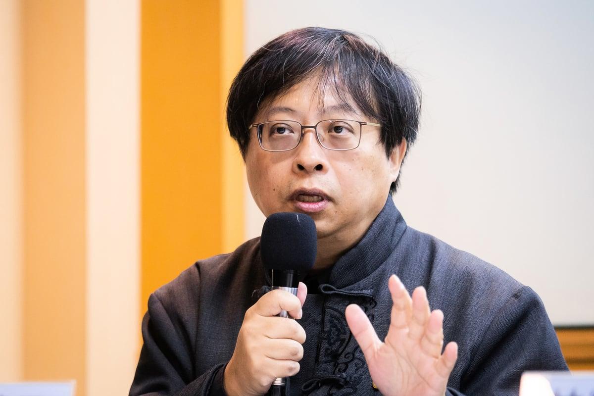 學者曾建元向台灣境內「失敗主義」份子喊話,不要對共產黨統治下的統一存有幻想。(陳柏州/大紀元)