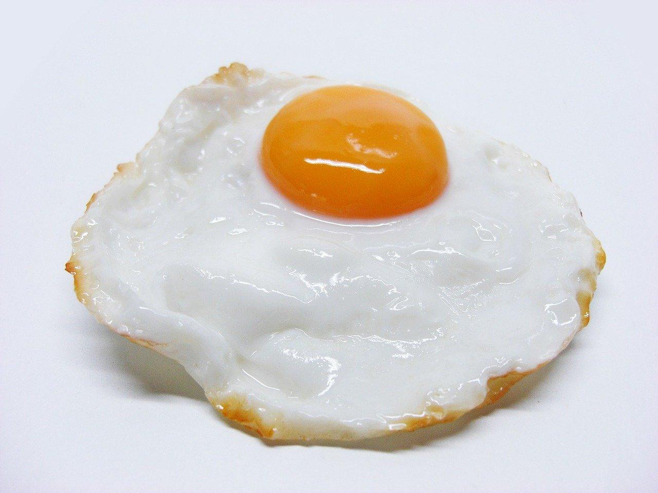 日本媽媽Etoni擅長製作卡通造型的餐點,既好看又美味。圖為一般的煎蛋,與本文無關。(Pixabay)