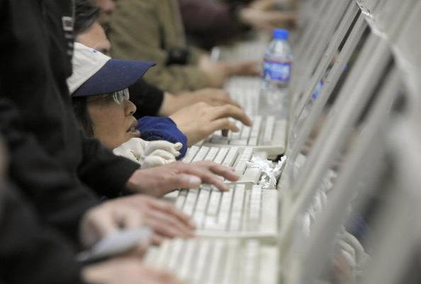 進入2019敏感年,中共對網絡言論的監控與審查更加瘋狂。(LIU JIN/AFP/Getty Images)