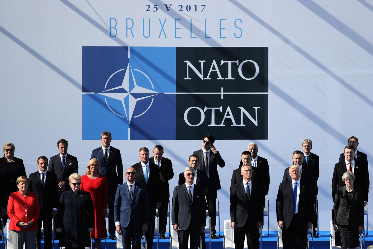 圖為北約28個成員國領袖2017年在布魯塞爾召開北約峰會。(STEPHANIE LECOCQ/AFP/Getty Images)