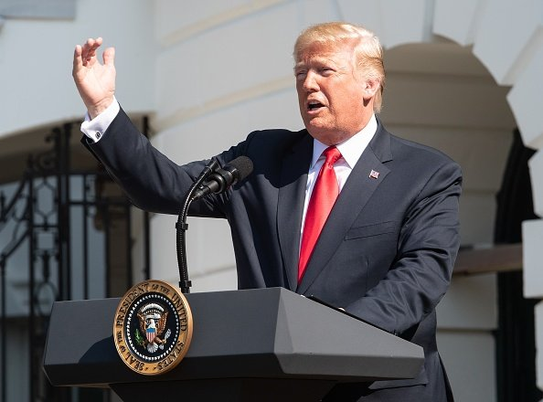 特朗普政府周一宣佈,將對價值2000億美元的中國進口產品徵收10%的關稅,這些關稅將在明年1月1日增加至25%。(NICHOLAS KAMM/AFP/Getty Images)
