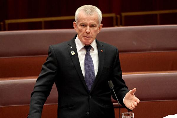 針對成蕾案,澳洲聯邦參議員羅伯茲(Malcolm Roberts)對大紀元表示,中國政府任意拘留澳籍記者,行為卑劣。圖為澳洲聯邦參議員羅伯茲。(Tracey Nearmy/Getty Images)