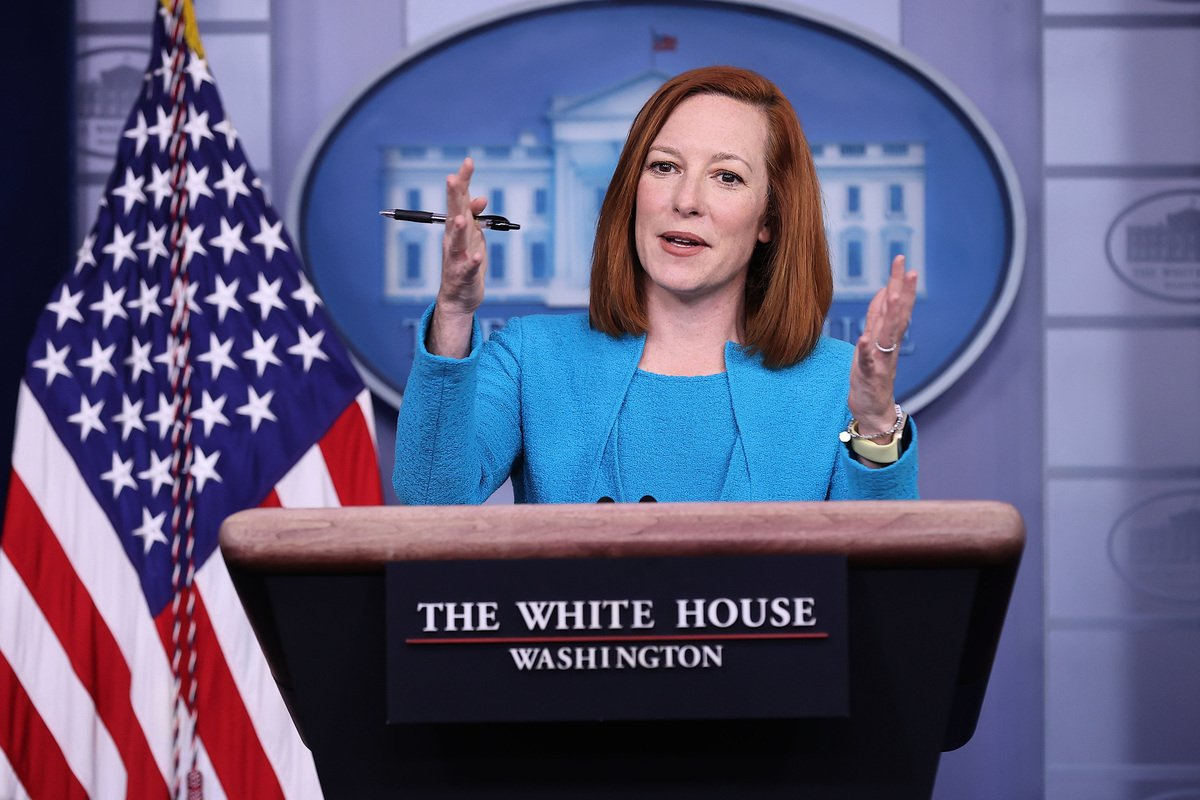 2021年3月22日,白宮發言人珍‧普薩基(Jen Psaki)在新聞會上講話。(Chip Somodevilla/Getty Images)