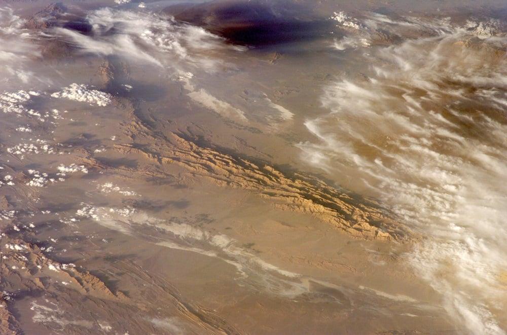 伊朗的盧特沙漠世界上最熱的地方,其最高溫度達攝氏70.7度。(NASA)