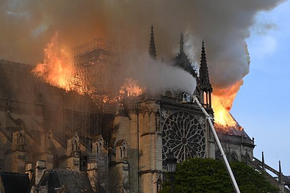 巴黎聖母院遭火災 全球為何如此關注?