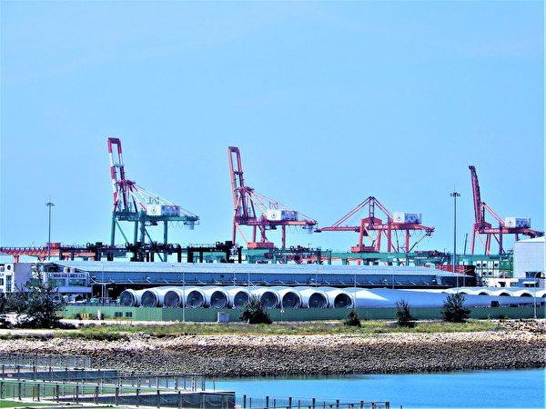 台中港是一個重要的戰略目標,特別是中共軍隊奪台想定裏,台灣西部重要港口是首要奪取的重要戰略要地。(黃玉燕/大紀元)