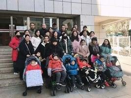 疫苗受害兒童到北京衛健委維權 有家長被拘