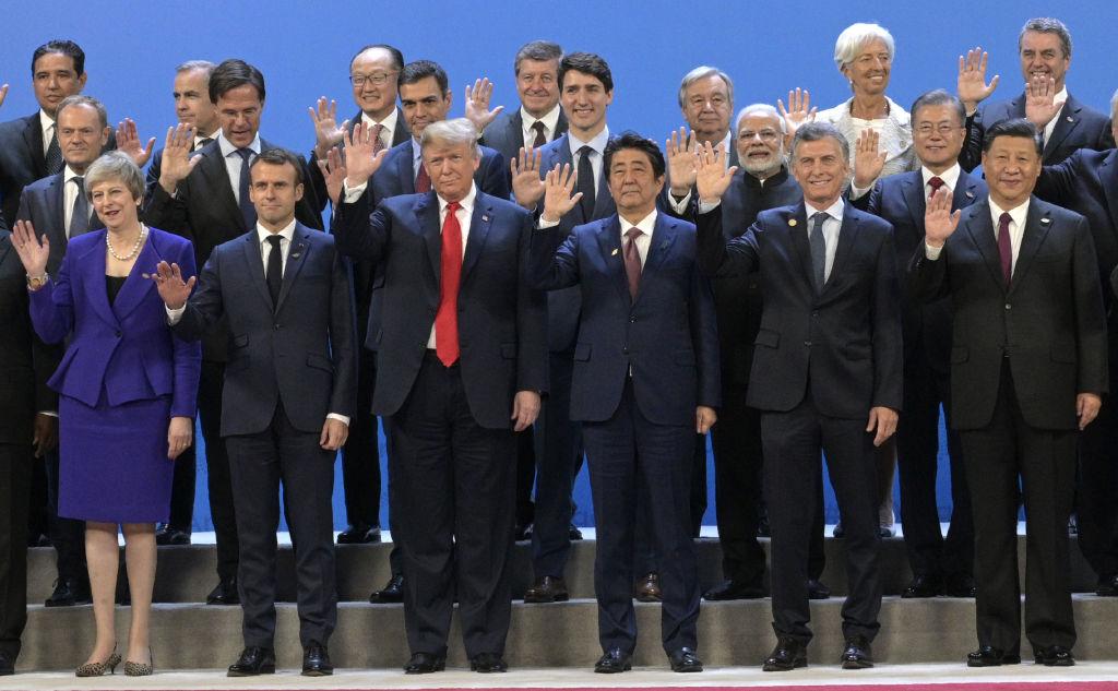 2018年11月30日在阿根廷參加20國峰會的首腦合照。(JUAN MABROMATA/AFP via Getty Images)