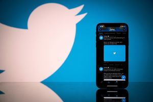 推特關閉特朗普帳戶 台作家:不公平應賠償
