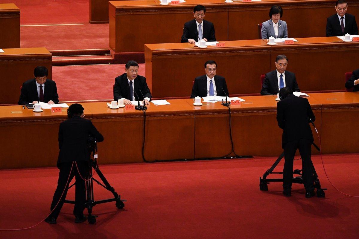 圖為2020年10月23日,習近平(前排左二就坐)在紀念韓戰70周年活動上講話。(Noel Celis/AFP via Getty Images)