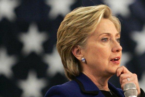 距離美國總統大選日僅剩不到3周時間。週二(18日)公佈的一項最新民調顯示,希拉里在9個搖擺州取得領先。(STAN HONDA/AFP)