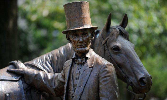 【名家專欄】面書「取消」了林肯總統