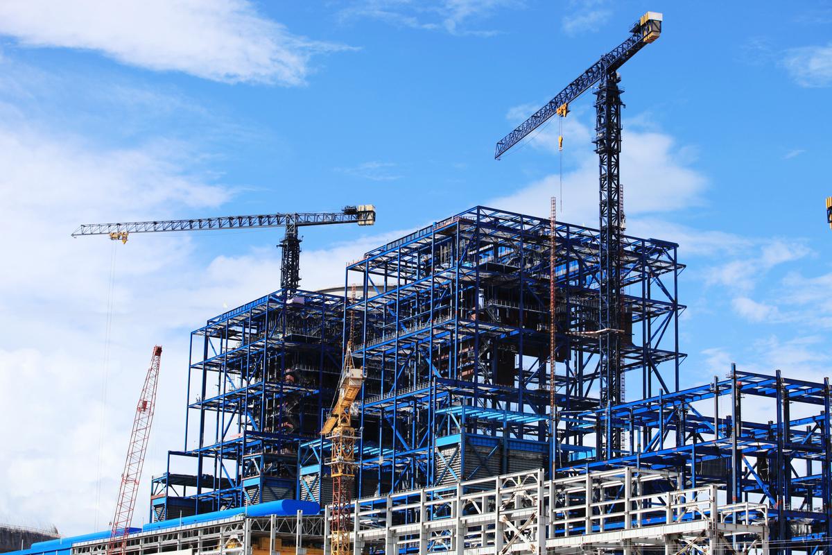 該報告說,第四季度非住宅建築的投資下降了10.9%,這反映出隨著遠程辦公和在線購物變得越來越普遍,對辦公樓和購物中心的需求疲弱。(Shutterstock)
