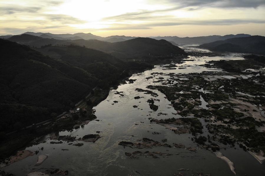 中共建水壩控制湄公河上游 致下游多國乾旱