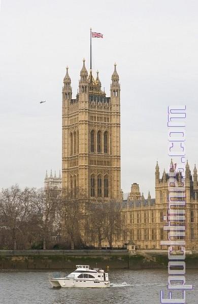 華為公司高管在英國聽證會上,多次表白對人權問題沒有善惡立場後,被英國議員當面斥責「缺德」。圖為英國議會大廈。(季媛/大紀元)