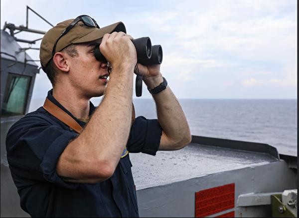 7月12日「本福德號」驅逐艦在西沙群島進行自由航行後,發佈照片。(美國海軍第七艦隊官網)
