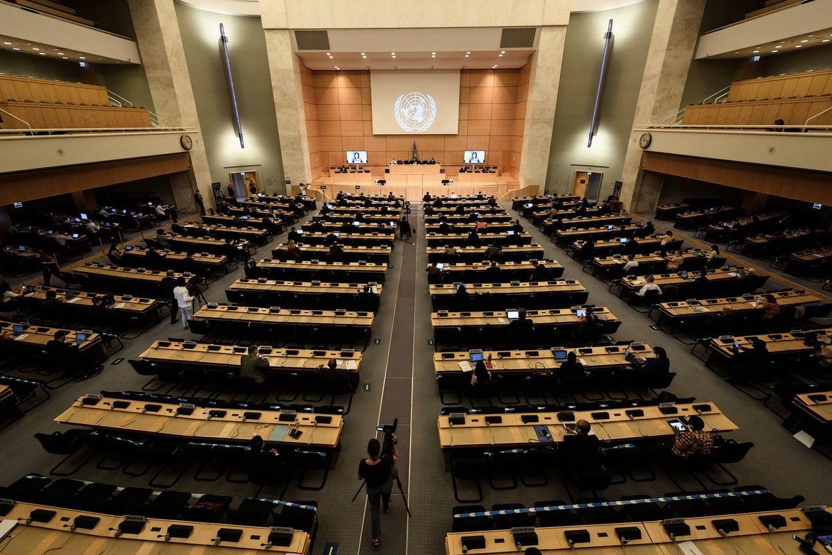 圖為2020年6月30日在日內瓦舉行的聯合國人權理事會第44屆會議開幕式上。(FABRICE COFFRINI/AFP via Getty Images)