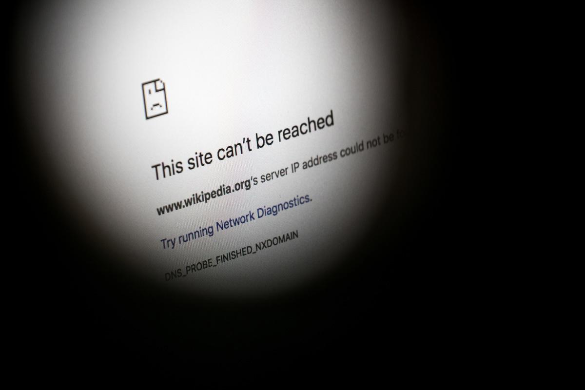 自4月份以來,自由的網絡百科全書「維基百科」在中國大陸被中共全面封鎖。(Chris McGrath/Getty Images)