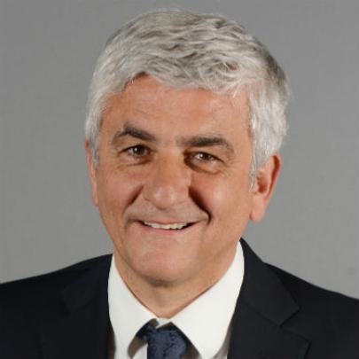 法國前國防部長表示支持法輪功