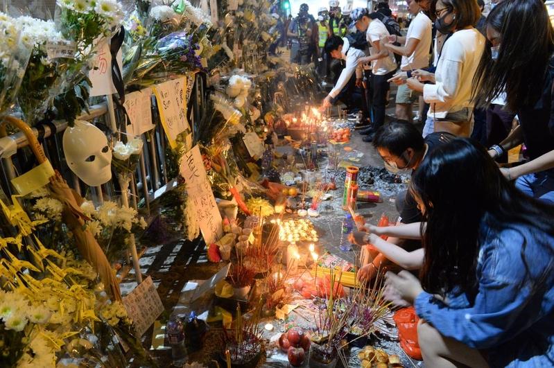 組圖:太子站8.31恐襲兩個月靜坐悼念逝者