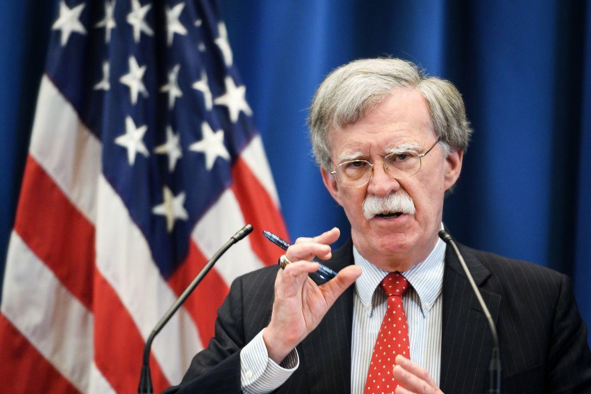 美國總統特朗普的國家安全顧問約翰‧博爾頓(John Bolton)透露,特朗普正在考慮對那些與委內瑞拉有業務往來的他國公司企業實施制裁。(Fabrice COFFRINI/AFP)