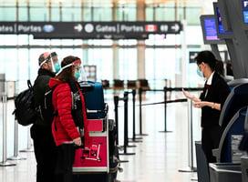 加拿大升級旅行限制 旅客自負隔離費用