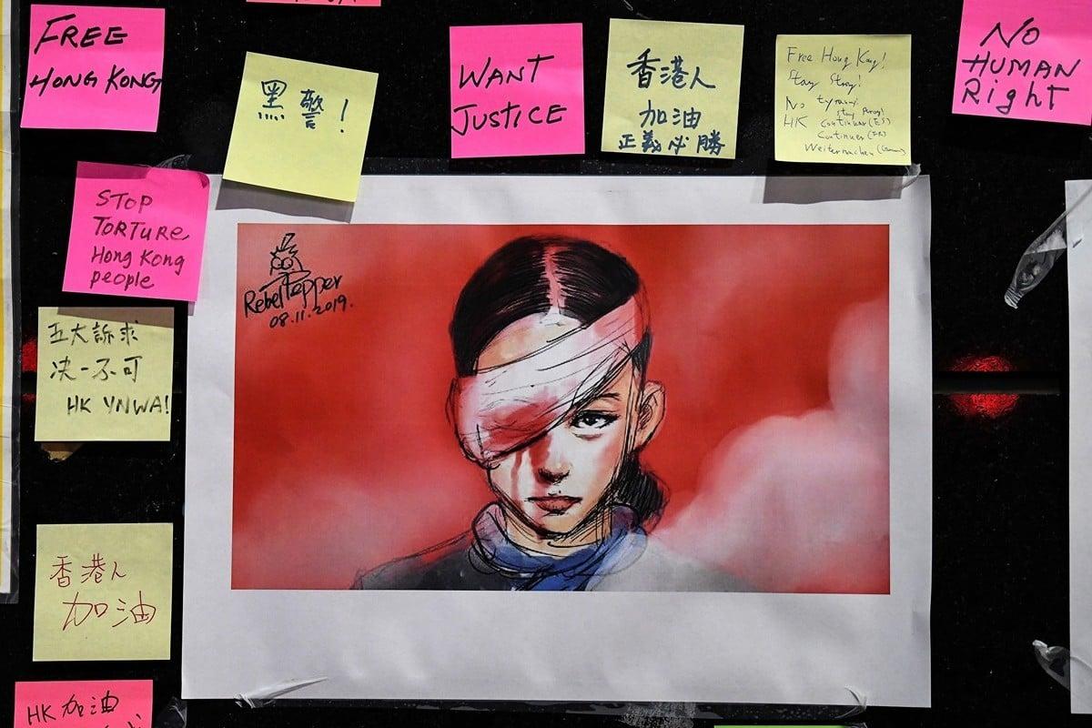 「變態辣椒」王立銘以其辛辣、幽默的筆觸創作了眾多諷刺暴政和推崇自由的漫畫,其為香港反送中而畫的「香港爆眼女孩重回公眾面前」成為香港民眾反抗暴政的主要標示之一。(SAEED KHAN/AFP/Getty Images)