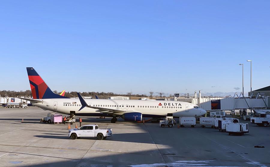 特朗普要禁航 中共立刻放寬國際航班限制