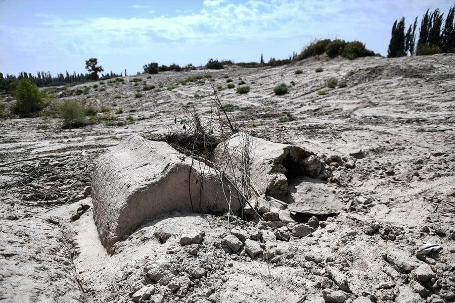 連亡者也不放過 中共摧毀新疆維族人墳地