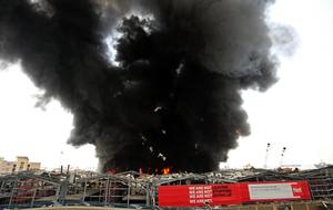 大爆炸一個月後 貝魯特港再爆大火 濃煙滾滾