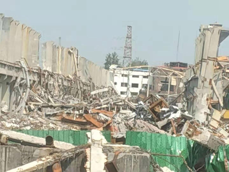 河南鄭州登封市登電集團鋁合金有限公司7月20日發生重大爆炸事故。圖為工廠受損情況。(民眾提供)