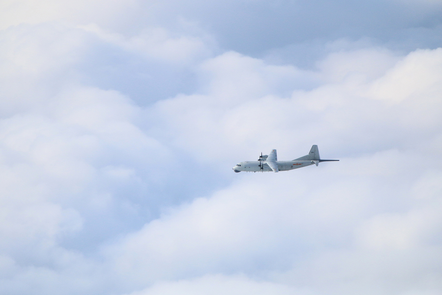 遼寧艦南下 中共10軍機擾台 運8闖台東南空域