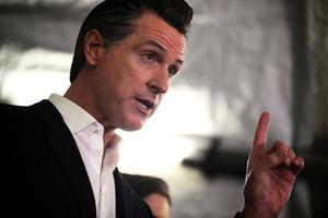 加州州長與中企10億美元口罩交易 遭質疑