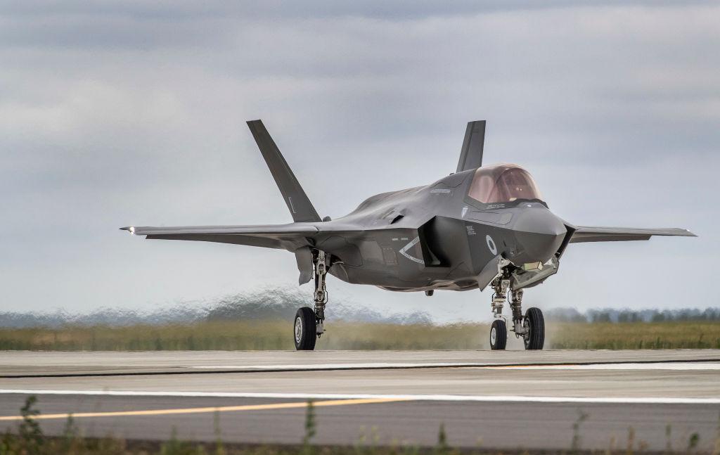 中國公司收購了為F-35隱形戰鬥機的電路板生產塑料零件的公司。(Ministry of Defence via Getty Images)