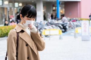 如何區分新冠肺炎、慢性咳嗽、過敏?2招判斷