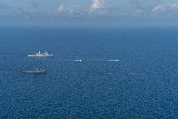 2020年12月14日,美軍與新加坡軍方在克拉(CARAT)演習中,兩國還共同在南中國海進行了兩棲訓練。(美國印太司令部)