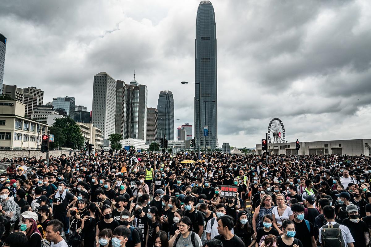 與2014年的雨傘運動相比,這次香港反送中抗議成功的原因何在?(Anthony Kwan/Getty Images)