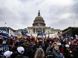 組圖:民眾聚集在華盛頓特區 呼籲停止竊選
