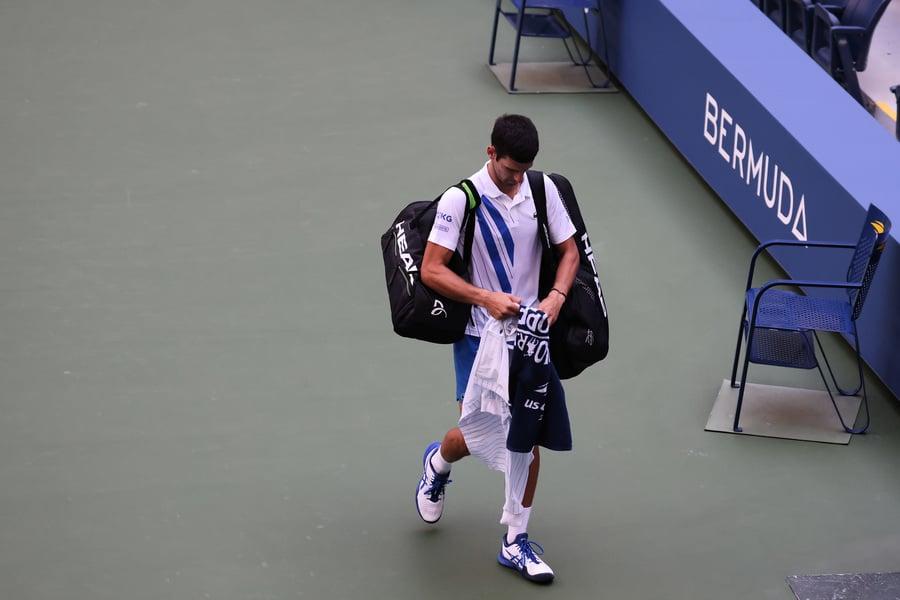 德約科維奇擊球打中裁判 被判負從美網出局