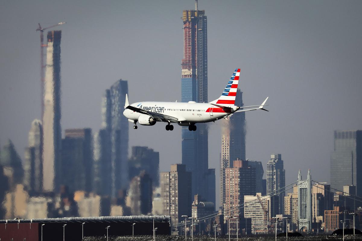 美國航空公司營運的一架波音737 Max 8。(Drew Angerer/Getty Images)