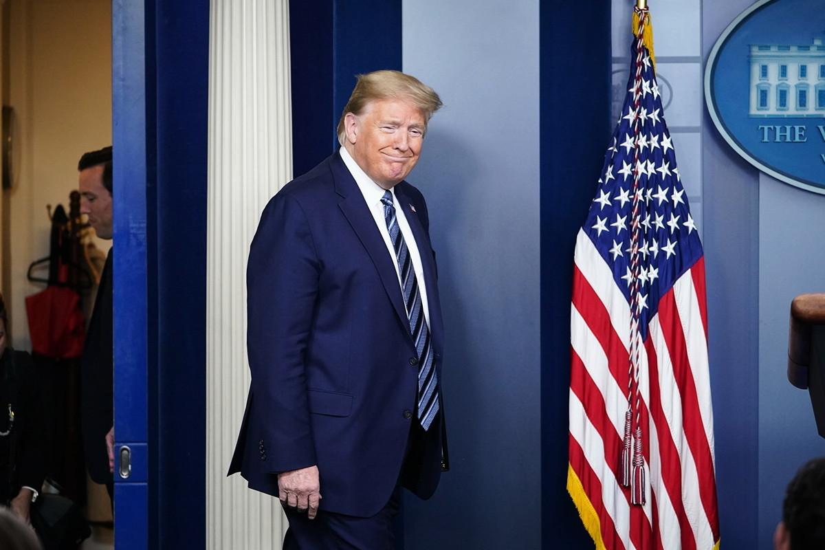 4月21日,特朗普對記者表示,不清楚金正恩的健康狀況,但希望他一切順利。 (MANDEL NGAN/AFP)