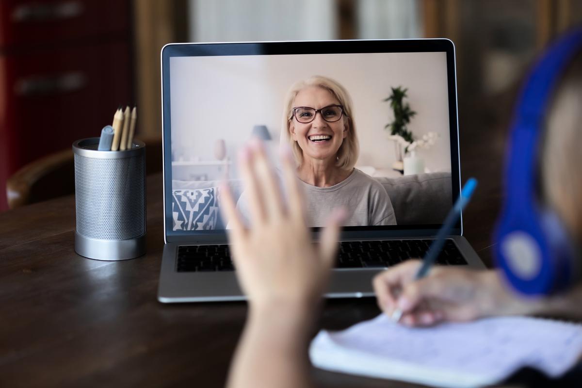 布里斯本一家私立學校採用了一種創新的網上教學,讓滯留本國無法來澳的海外學生能加入課堂。圖為網絡教學示意圖。(Shutterstock)