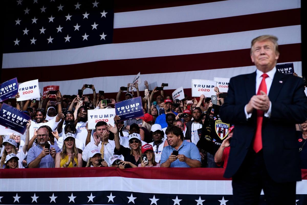 5月8日,特朗普在佛羅里達州的一次集會上發表講話說,之所以加徵關稅,是因為北京談判立場的改變。(Brendan Smialowski/AFP)