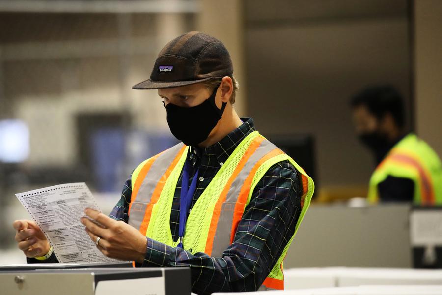 數百共和黨選民稱自己的郵寄選票被丟失