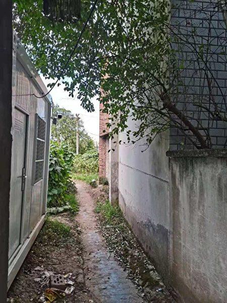 陳永霞住家周圍被安裝錄像監控鏡頭。(受訪者提供)