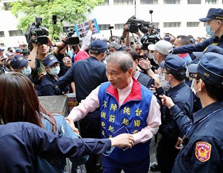 統促黨總裁張安樂,2021年2月接受中共官媒採訪時透露,他靠過去的江湖背景,正在計劃藉由參加活動等方式,吸收台灣中南部青年。(中央社)