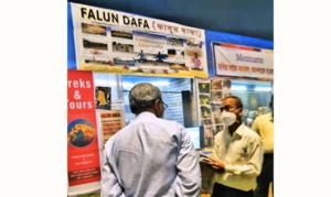 法輪功學員應邀參加印度書展 分享神奇經歷