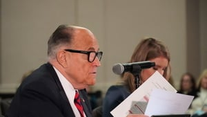亞利桑那州民眾集會 聲援選舉聽證會